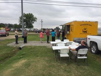 Midsouth BBQ Covington TN Yellow Food Trailer Best BBQ