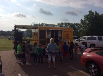 MidSouth BBQ Yellow Trailer Crestview Elementary School Covington TN Tipton County Food